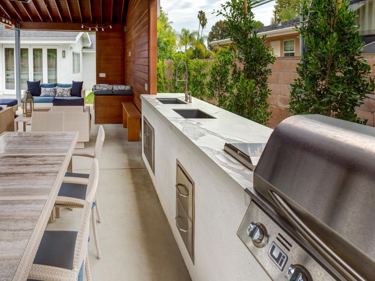 Outdoor Kitchen Ideas for Summer